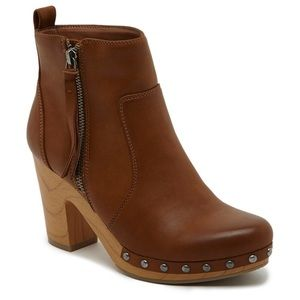 Shoes - Kacy Faux Wood Bottom Clog Booties in Camel